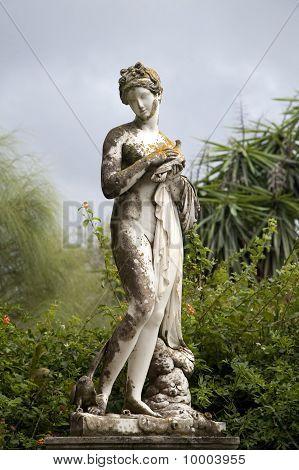 Achillion Palace Statuen