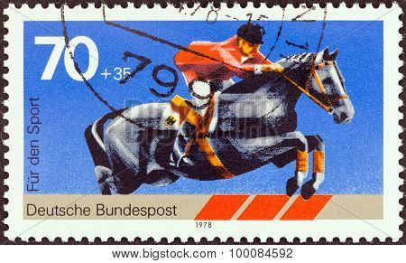 GERMANY - CIRCA 1978: A stamp printed in Germany shows show jumping