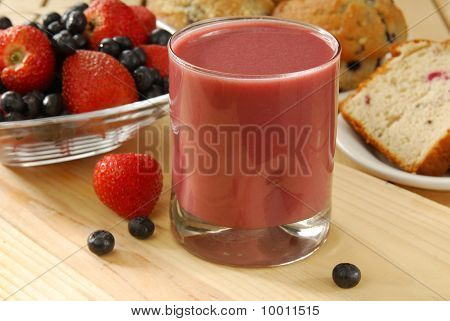 Fruit Smoothie With Bread