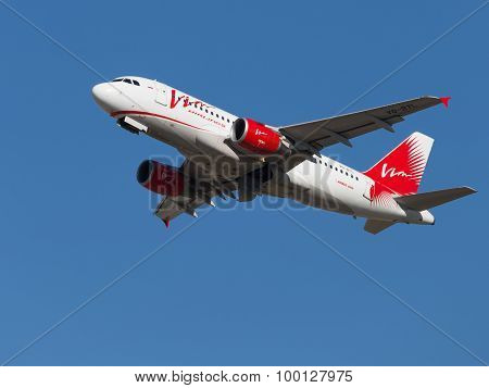 Red-white Passenger Airbus A319-111