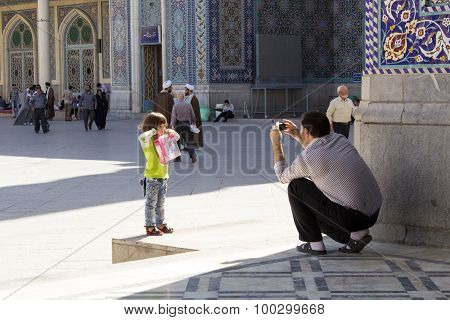 Man Portrays His Daughter