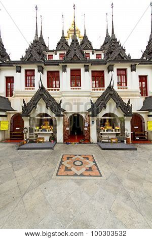 Pavement Gold    Temple   In   Thailand Incision Of
