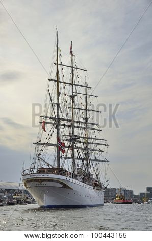 The Statsraad Lehmkuhl From The Back