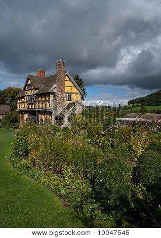 Stokesay Castle Gatehouse And Gardens