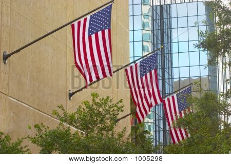 3 Flags Flying High