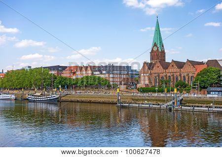 Bremen Cityscape, Sankt Martini-kirche And Weser River