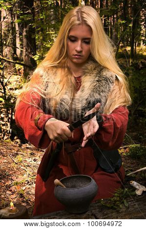 Scandinavian Witch Pythoness Cooking Potion