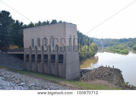 spillway control house