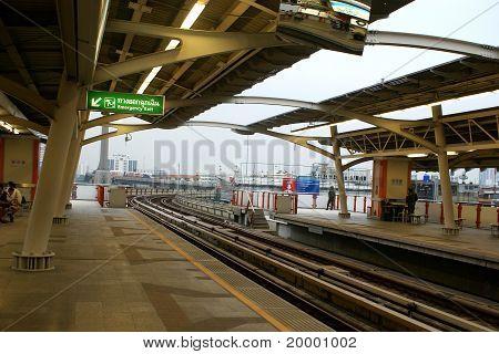 Thai subway