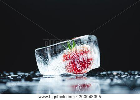 Cherry Tomato In Ice Cube