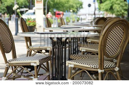 A sight of the table and the chair in the park rest area