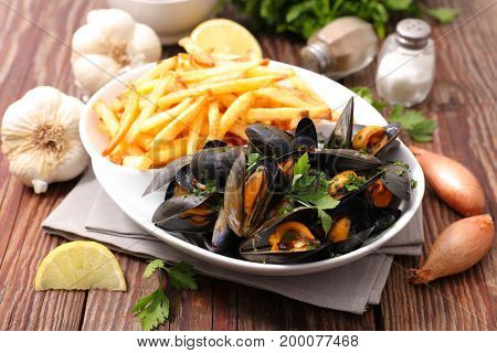 mussel with french fries