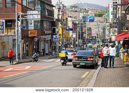 Seoul, Korea - April 08, 2017: Busy Street View With At Itaewon Town In Seoul. Itaewon Is Widely Kno