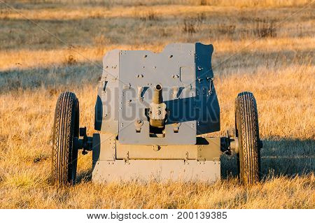German Anti-tank Gun That Fired A 3.7 Cm Calibre Shell. It Was The Main Anti-tank Weapon Of Wehrmacht Infantry Units Until Mid-1941. German Anti-tank Gun In Field.