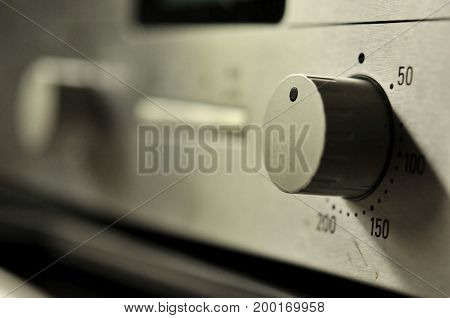 Depth of field of switch on an electric oven convection position
