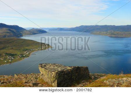 Fjord Ansicht im Norden Norwegens