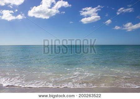 The horizon of the Gulf of Mexico on a bright day