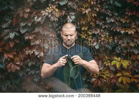 A Man Learn To Knit  Needles