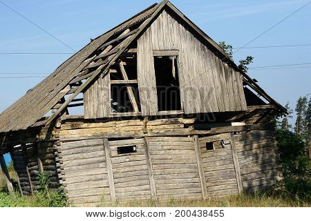 An old, almost collapsed house, how much did he survive?