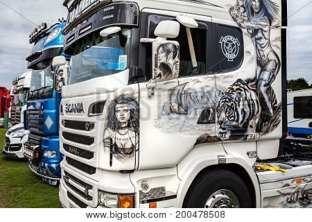 Beautiful Artwork On Scania Truck At Truckfest
