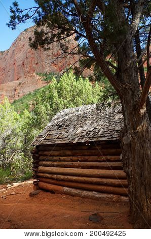 Old abandoned pioneer cabin on Taylor Creek hiking trail, Kolob Canyons, Zion National Park, Utah, USA