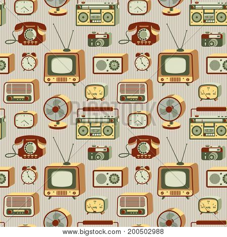 Retro electronic devices. 20th century gadgets. Vector seamless pattern.