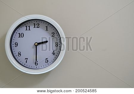 2:30 of the time of the wall of the room wall clock