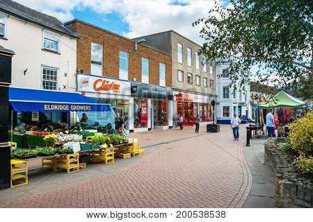 BICESTER ENGLAND - SEPTEMBER 25 2009: View of Sheep street in outlet village. Oxfordshire