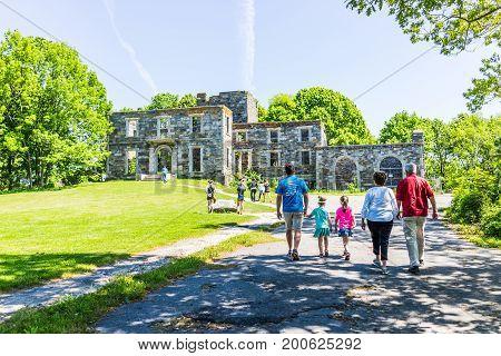 Cape Elizabeth, Usa - June 10, 2017: Family People Walking To Goddard Mansion Stone Ruins By Portlan