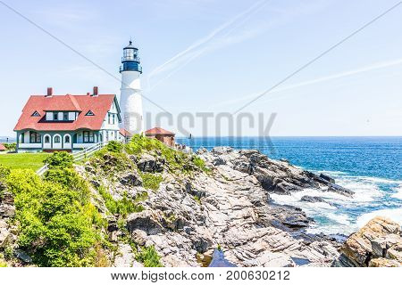 Cape Elizabeth, Usa - June 10, 2017: Portland Head Lighthouse And Museum Building In Fort Williams P