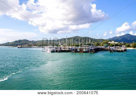 Ferry Terminal Sea Ocean And Blue Sky Background Koh Phangan Thailand