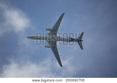 Hs-ter Airbus A330-300 Of Thaiairway Tg111
