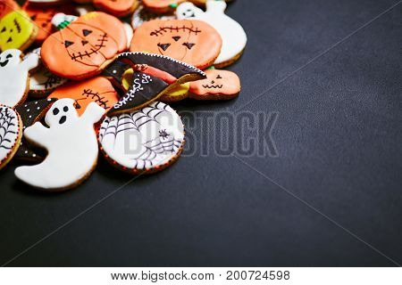Symbols of halloween in form of yummy cookies