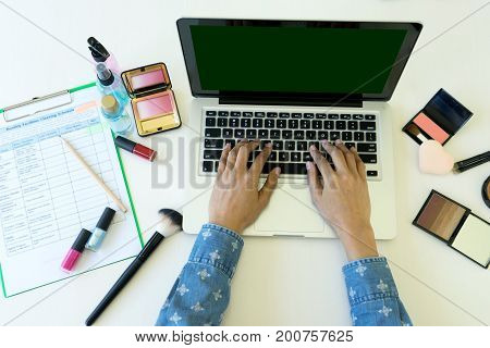 Young Woman Working About Website Beauty Cosmatic