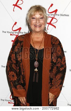LOS ANGELES - AUG 19:  Beth Maitland at the Young and Restless Fan Event 2017 at the Marriott Burbank Convention Center on August 19, 2017 in Burbank, CA