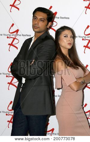 LOS ANGELES - AUG 19:  Abhi Sinha, Laur Allen at the Young and Restless Fan Event 2017 at the Marriott Burbank Convention Center on August 19, 2017 in Burbank, CA