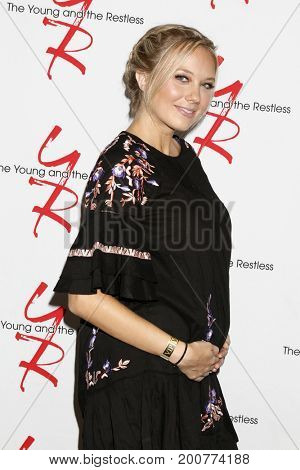 LOS ANGELES - AUG 19:  Melissa Ordway at the Young and Restless Fan Event 2017 at the Marriott Burbank Convention Center on August 19, 2017 in Burbank, CA