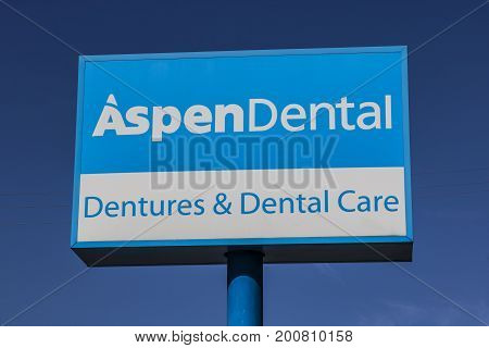 Ft. Wayne - Circa August 2017: Signage and Logo of Aspen Dental. Aspen Dental Manages branded Dental practices using the Aspen brand