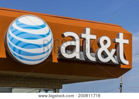 Ft. Wayne - Circa August 2017: AT&T Mobility Wireless Retail Store. AT&T now offers IPTV VoIP Cell Phones and DirecTV
