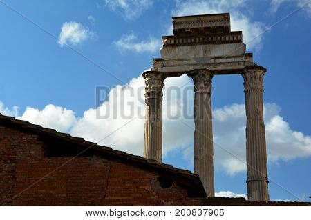 Roman columns stand the test of time as they still stand after two centuries
