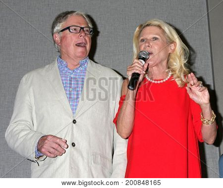 LOS ANGELES - AUG 20:  Dick Christie, Alley Mills at the Bold and the Beautiful Fan Event 2017 at the Marriott Burbank Convention Center on August 20, 2017 in Burbank, CA