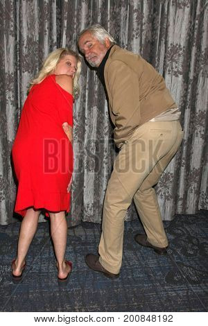 LOS ANGELES - AUG 20:  Alley Mills, John McCook at the Bold and the Beautiful Fan Event 2017 at the Marriott Burbank Convention Center on August 20, 2017 in Burbank, CA