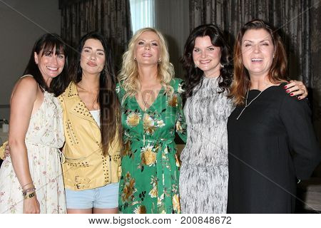 LOS ANGELES - AUG 20:  Rena Sofer, Jacqueline MacInnes Wood, Katherine Kelly Lang, Heather Tom, Kimberlin Brown at the BnB Event 2017 at the Burbank Convention Center on August 20, 2017 in Burbank, CA