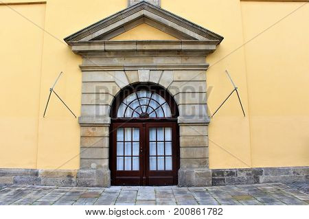 An image of a historical house entrance - outbuilding of Castle Herrenhausen - Hannover/Germany - 08/16/2017