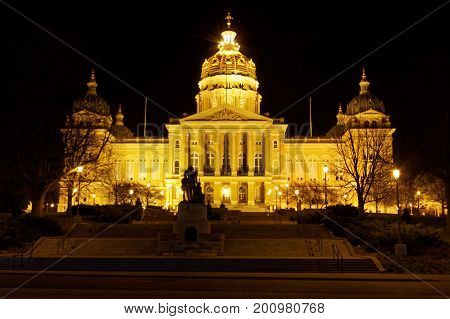 The crown jewel of Des Moines is the State Capitol Building situated on a hill facing downtown. The central dome is gilded with 23 karat gold that shines beautifully both day and night. The Capitol Building was completed in 1886.