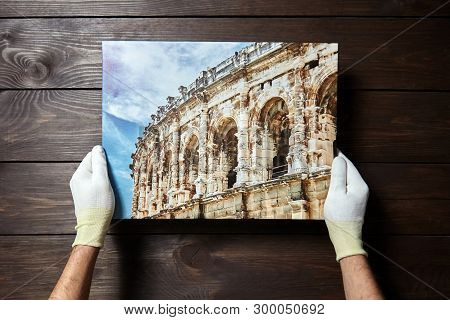 Photography Printed On Canvas. Wall Decor. Image Of Architecture Of Nimes City (france) Is In Male H