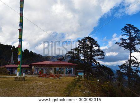 Druk Wangyal Cafe Near The 108 Memorial Chortens Or Stupas Known As Druk Wangyal Chortens At The Doc