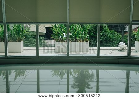 Aluminium Window & White Roll Blinds Roller Curtain For Sun Protection
