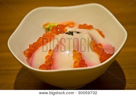 Hamachi Sashimi With Fresh Salmon Roe
