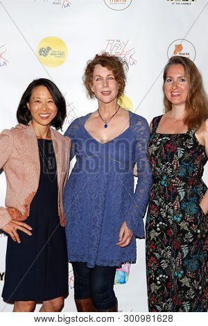 LOS ANGELES - May 11: Debbie Fan, Shelly Gibson, Katherine Vondy at